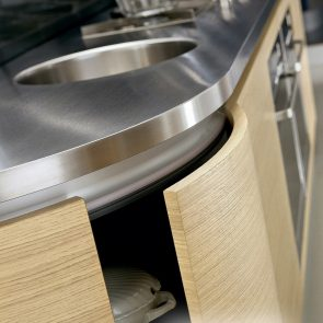 5-Island-Stainless-Steel-Counter-with-Integrated-Sink-Cook-Top